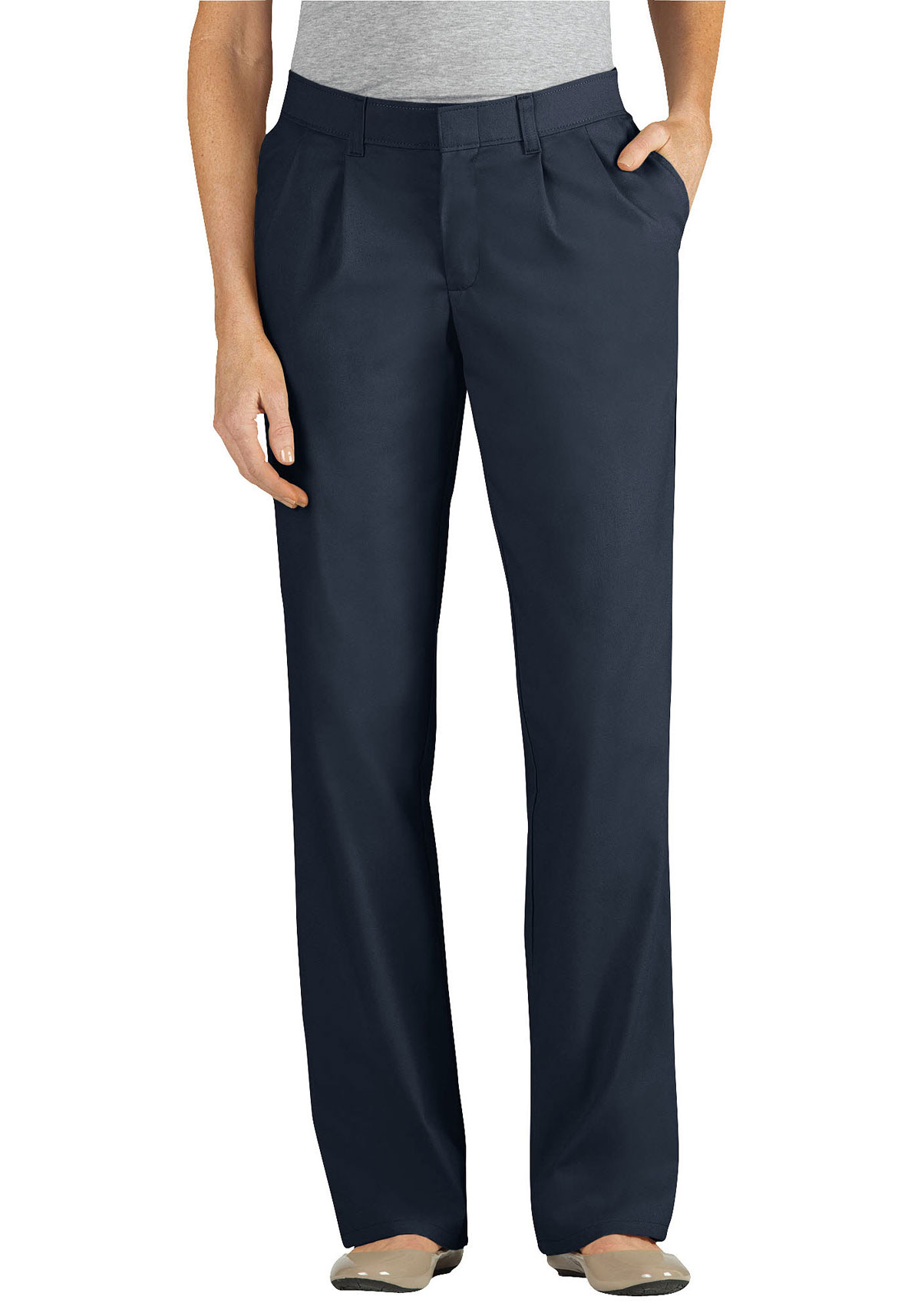 Model This Feeling Is Especially True When It Comes To Mens Pants Some Men, Though, Might Find Pleated Pants To Be More Comfortable For Women, Flatfront Pants Generally Are Considered More Stylish Than Pleated Looks, But There Can Be